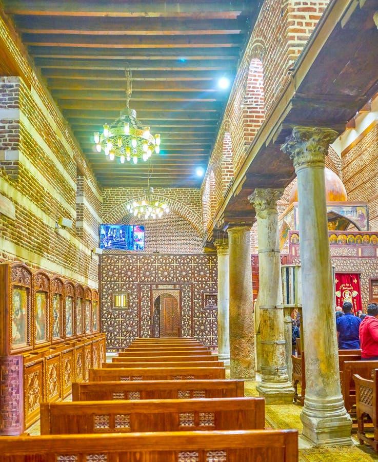 Le bas-côté latéral de St Barbara Church au Caire, Egypte image libre de droits
