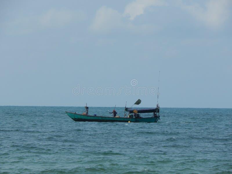 Le bateau dans la mer en Asie photographie stock libre de droits