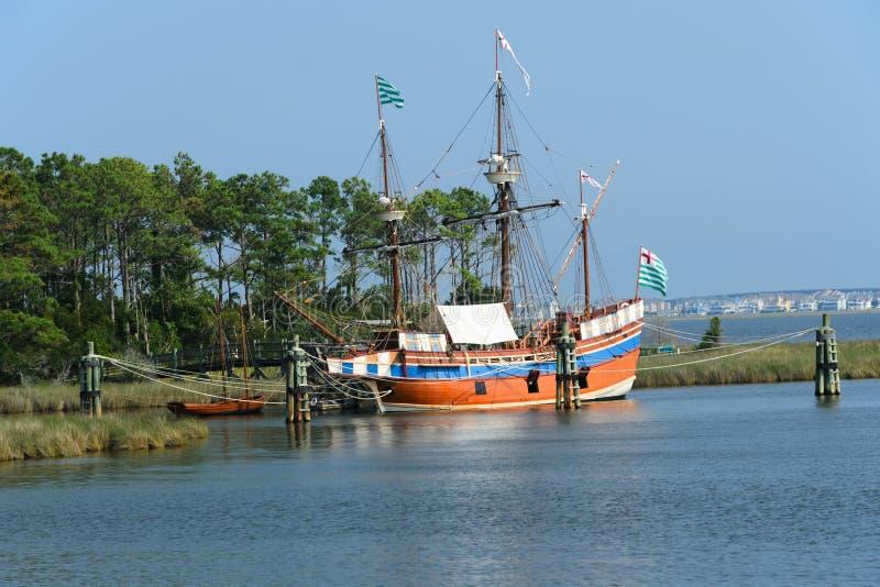 Le bateau de navigation d'Elizabeth II photos stock