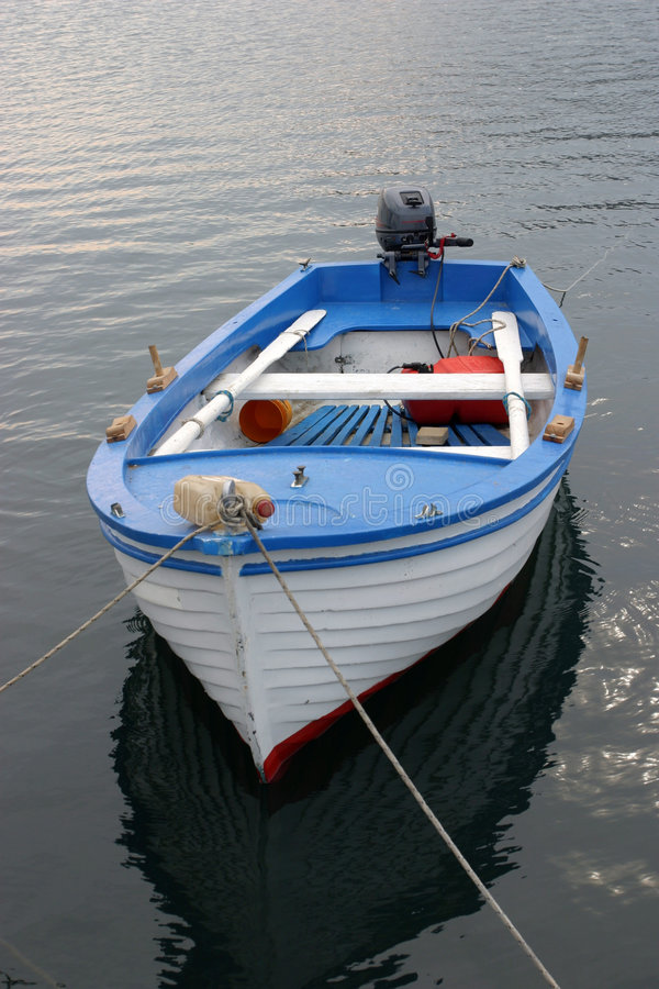 Le bateau du pêcheur images stock