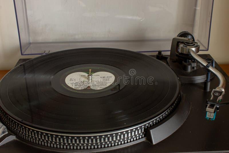 Le Beatles fabuleux et leur la plupart d'album célèbre Abbey Road photographie stock libre de droits