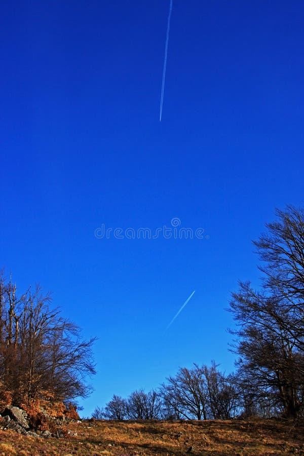 Le beau ciel de ressort image stock