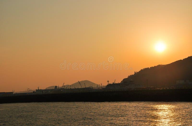 Le beau paysage de lever de soleil photos stock