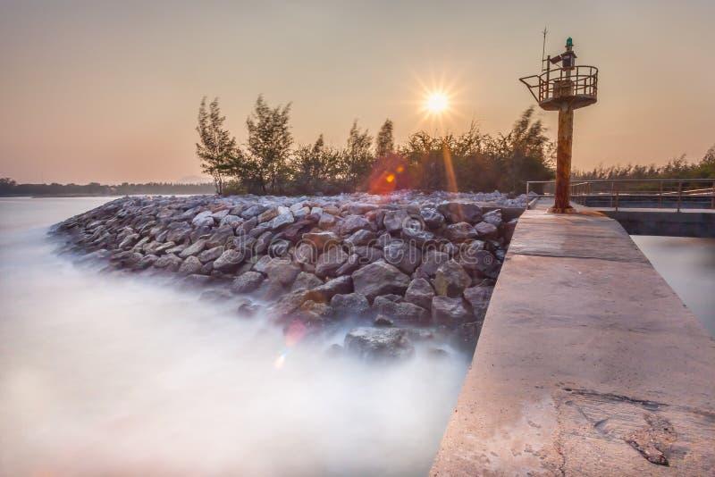 Le beau paysage du mur en pierre images libres de droits