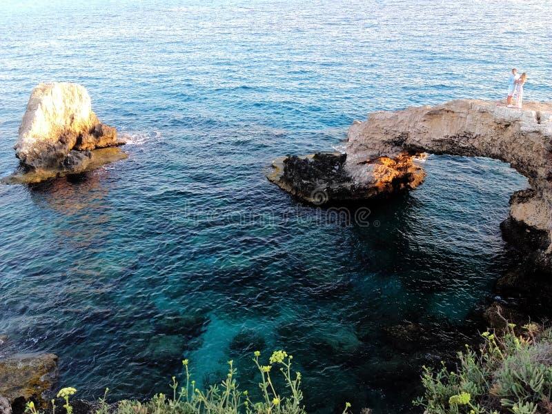 Le bel amour d'exploration de la Chypre détendent 2 photos stock