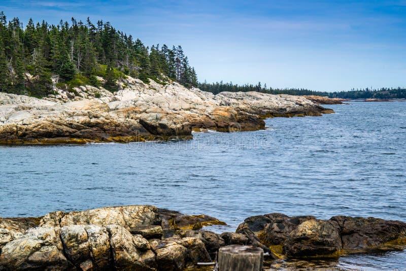 Le bel Au Haut de Duck Harbor Isle en parc national d'Acadia, Maine images libres de droits