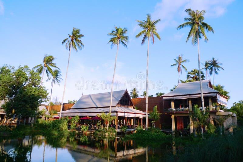 Le bel hôtel de villas d'Anantara Phuket en Thaïlande photo libre de droits