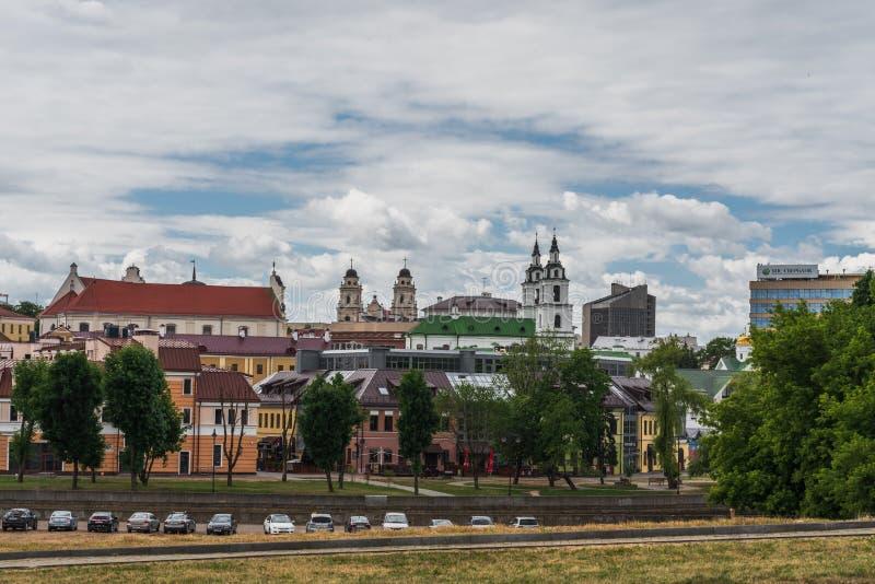 Le Belarus, Minsk, vieux bâtiments et saint Sophia Slutskaya Church images libres de droits