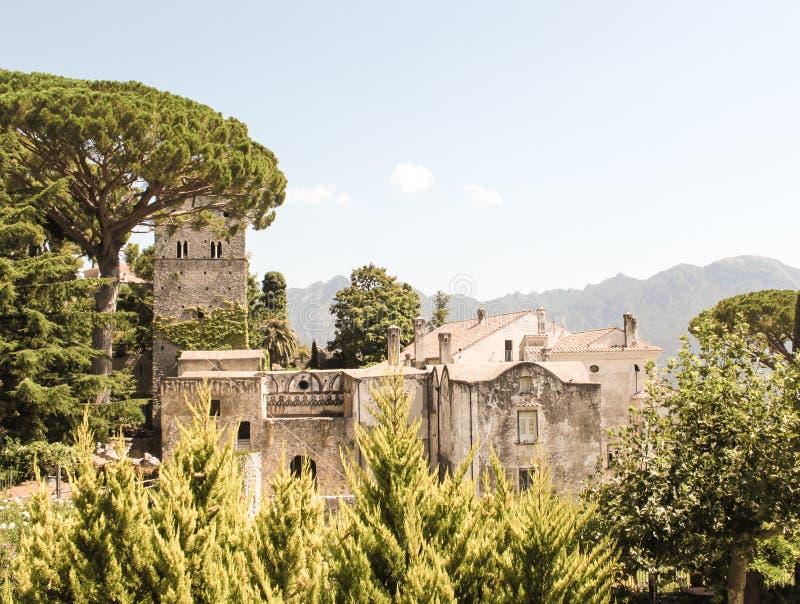 Le belle viste e le costruzioni di Ravello fotografia stock libera da diritti