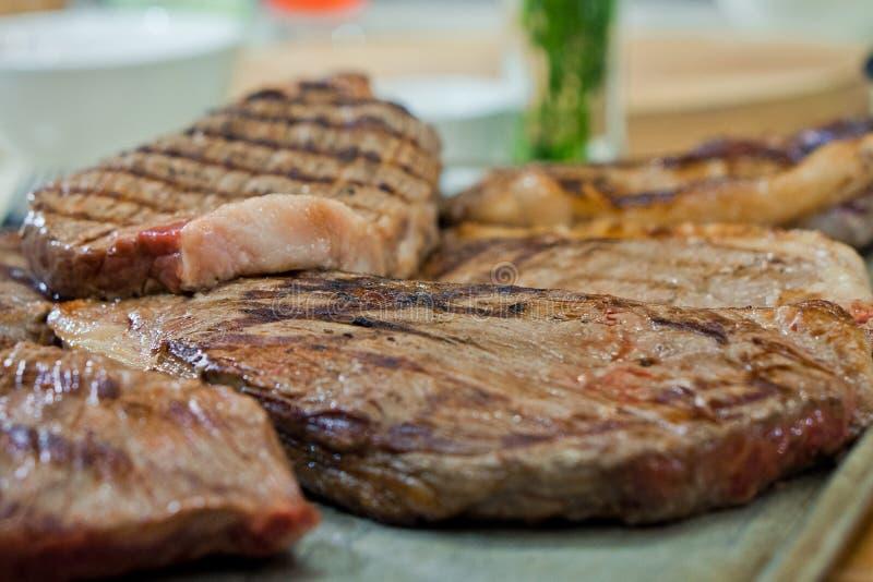 Le bifteck frit a marbr? le boeuf photo stock