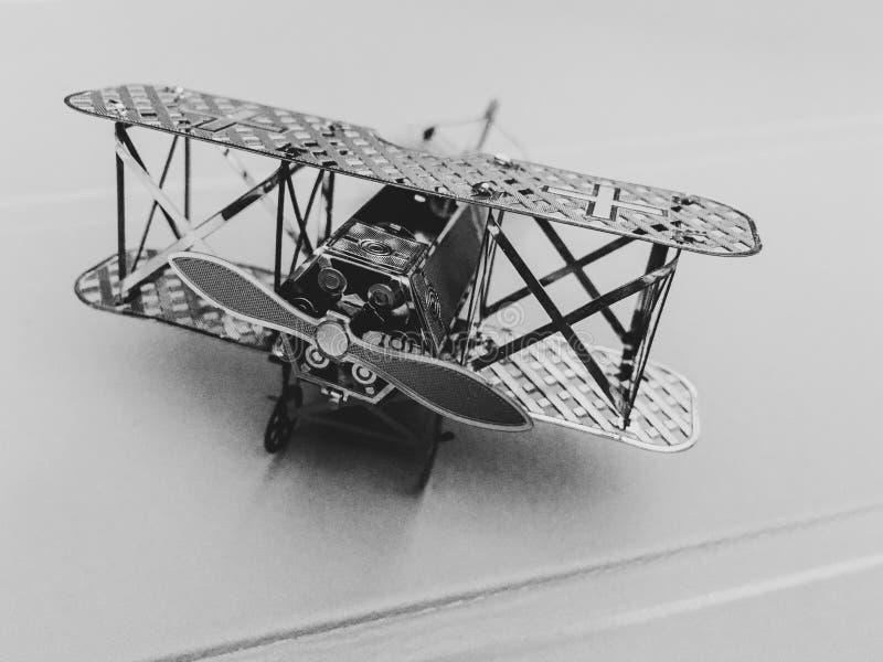 Le biplan modèle prêt pour décollent photos libres de droits