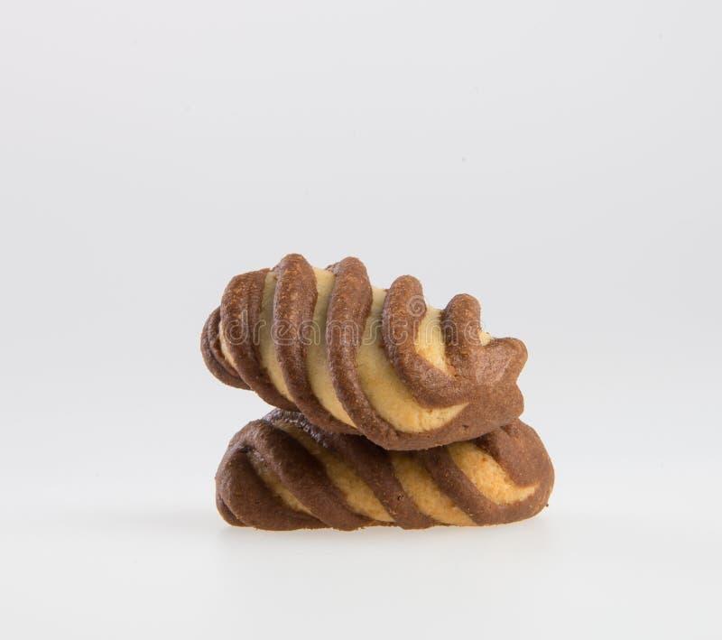 le biscuit ou les biscuits a rempli de la crème de chocolat sur un fond photo stock