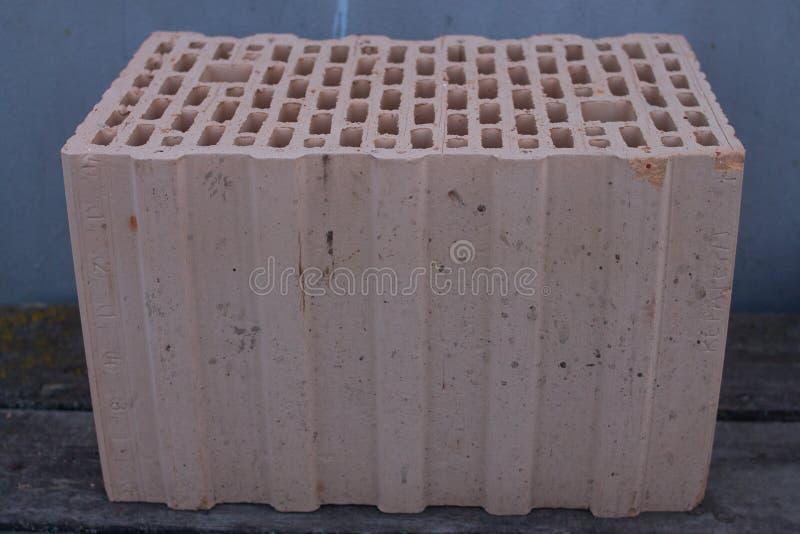 Le bloc en c?ramique de construction images stock