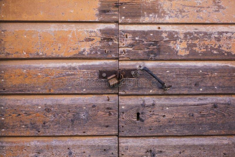 Le bois lambrisse la porte de texture image libre de droits