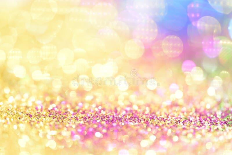 le bokeh Colorfull a brouillé le fond abstrait pour l'anniversaire, l'anniversaire, le mariage, la soirée du Nouveau an ou le Noë images libres de droits