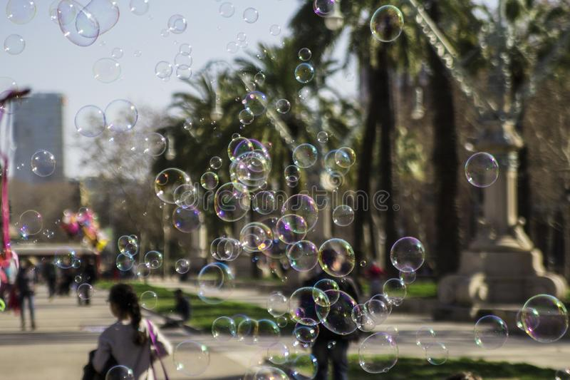 Le bolle di sapone si chiudono su fotografie stock libere da diritti