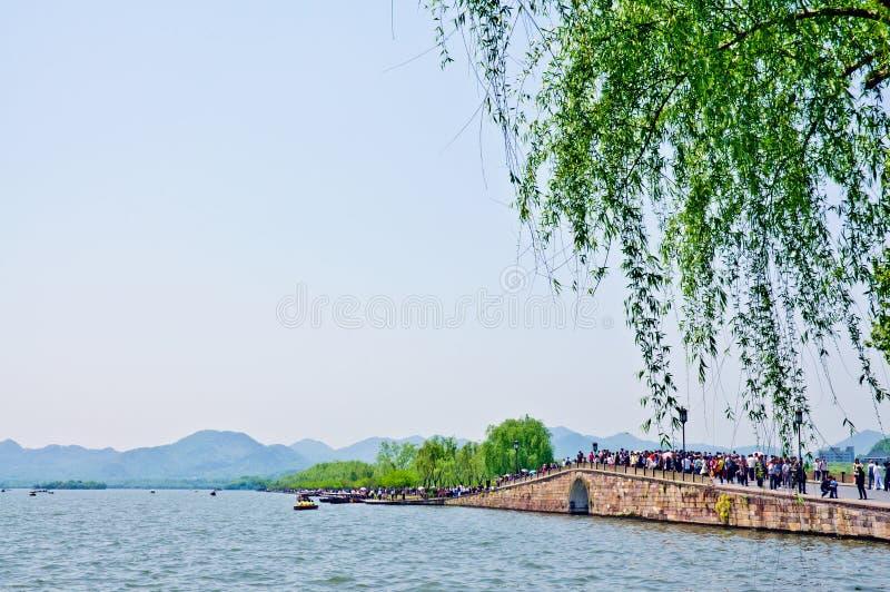 le bord de lac occidental de la passerelle photo stock