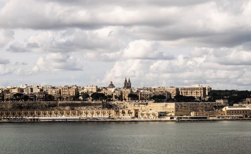Le bord de mer de La Valette à Malte image libre de droits