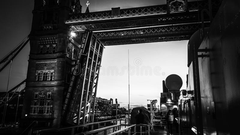 Le Boreal - London-Br?cke stockbilder