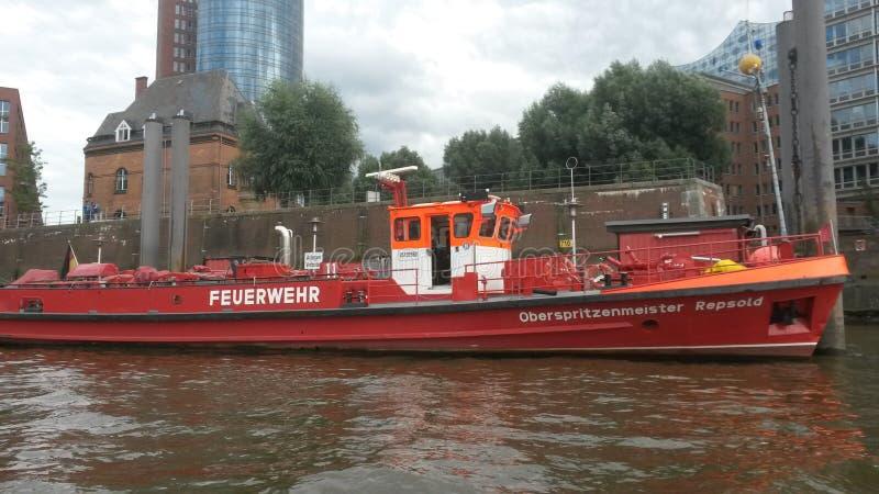 Le bot de Fiermann dans Hambug images stock