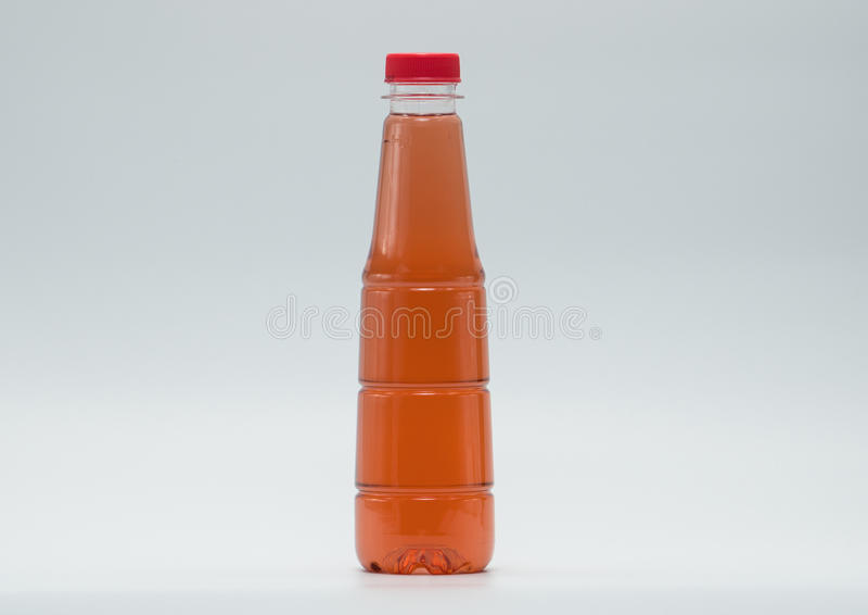 Le bottiglie di progettazione moderna della bibita, aggiungono appena il vostro proprio testo fotografie stock libere da diritti