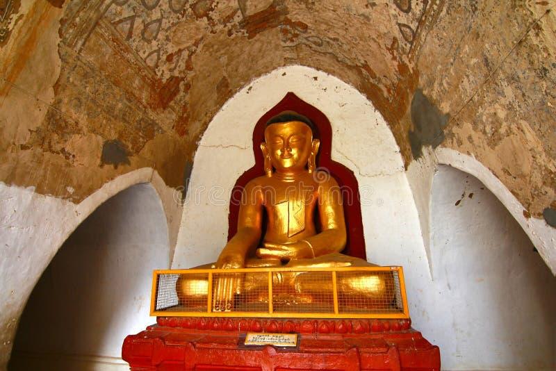 Le Bouddha dans myanmar bagan image stock