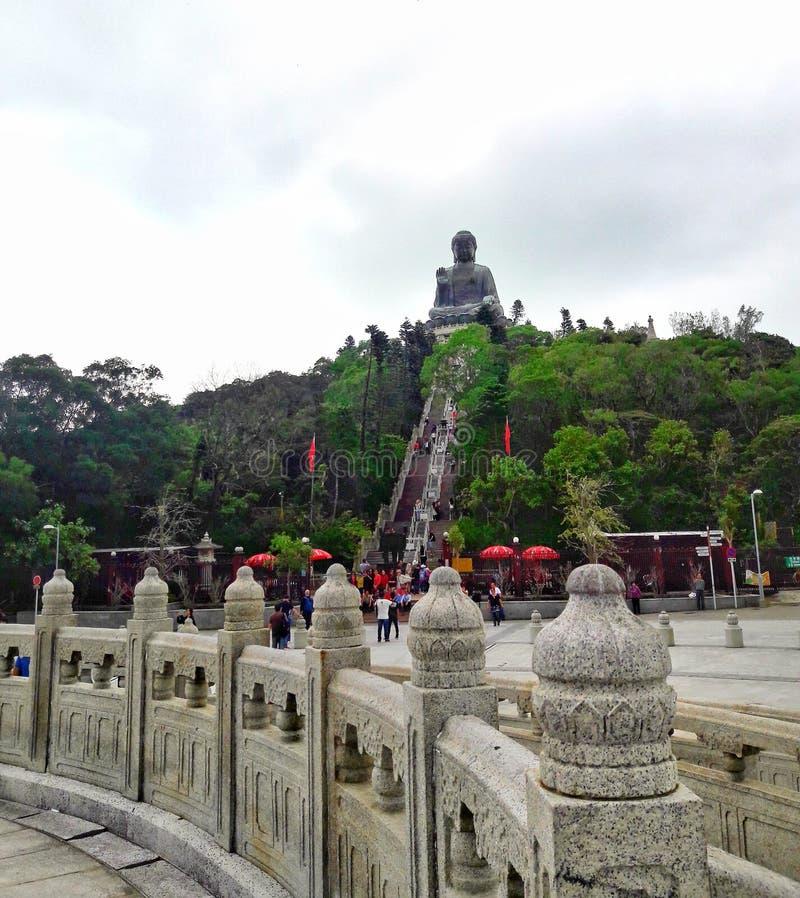 Le Bouddha géant de loin photos libres de droits