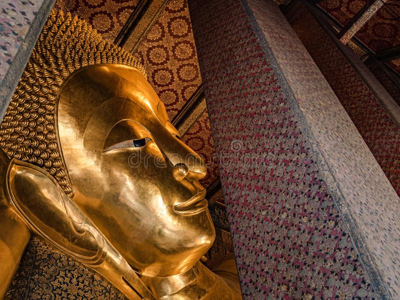 Le Bouddha ?tendu de Wat Pho photographie stock libre de droits