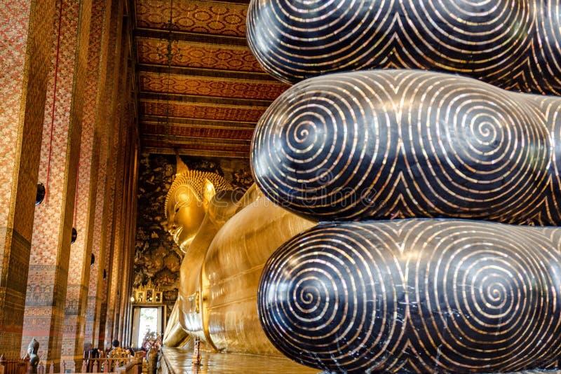 Le Bouddha ?tendu de Wat Pho photo stock
