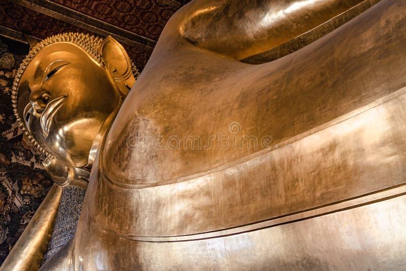 Le Bouddha ?tendu de Wat Pho photographie stock
