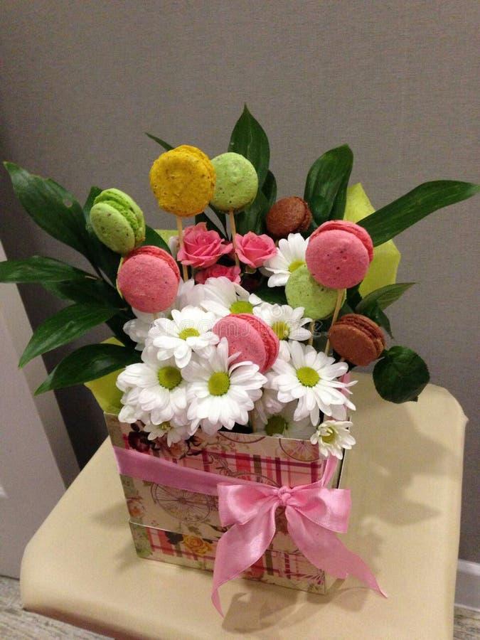 Le bouquet original dans une boîte Grande idée pour un cadeau photo libre de droits