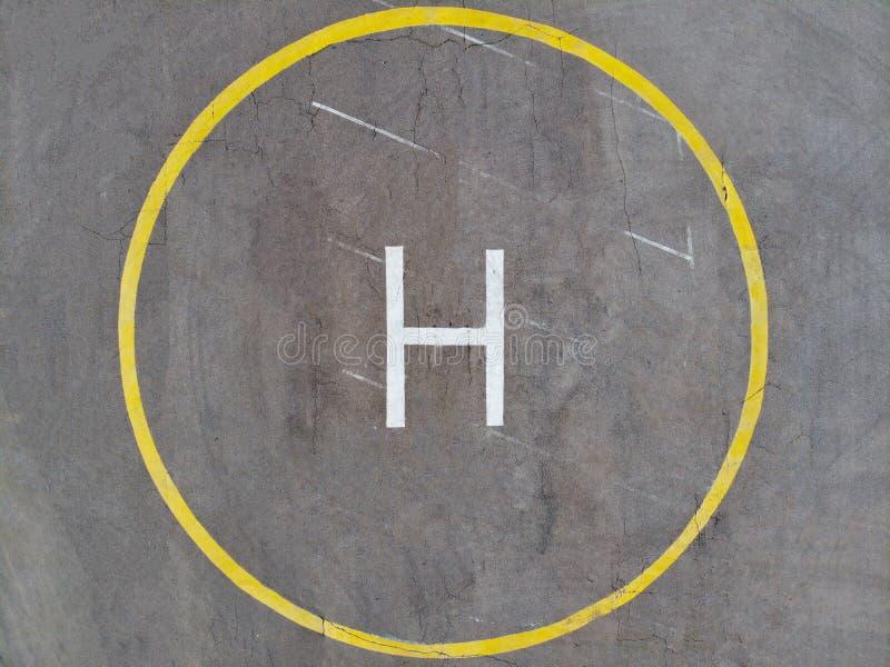 Le bourdon a photographié l'héliport de l'air Héliport d'hélicoptère image stock