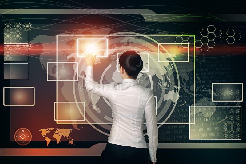 Bouton virtuel de contact de femme d'affaires dans l'interface de Web photographie stock