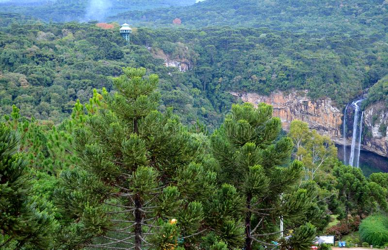 Le Brésil, Rio Grande do Sul, Gramado Canela, Parque font la cascade extraordinaire de nature de Caracol Cascata photographie stock