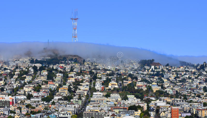 Le brouillard roule dans au-dessus de San Francisco occidental photo libre de droits