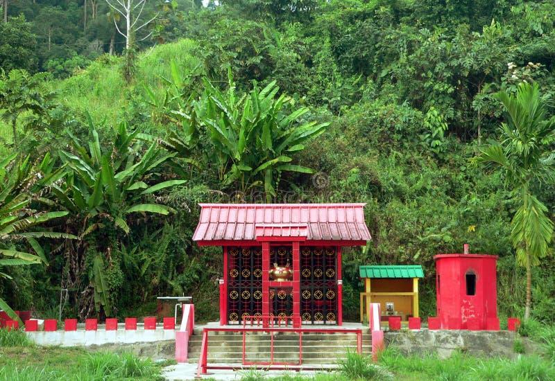 Le Brunei. Temple/tombeau chinois 2of3 (rural) photographie stock libre de droits