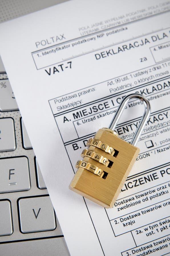 Le bureau d'impôts commande des affaires par l'Internet photo stock
