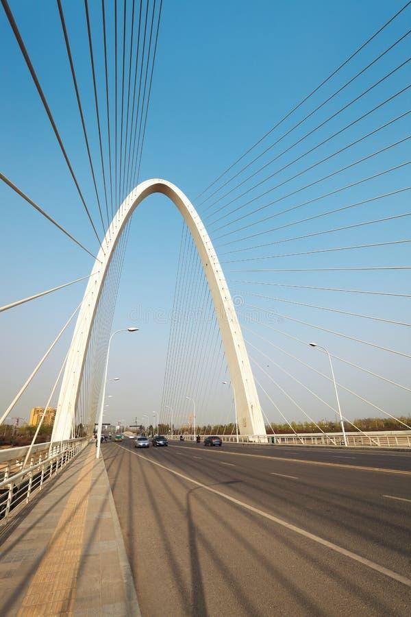 Le câble de suspension est resté le pont dans xian photo stock