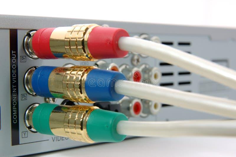 Le câble visuel constitutif a connecté le lecteur DVD images libres de droits