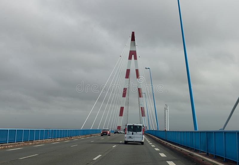 Le célèbre pont Saint-Nazaire Pilier du pont photos libres de droits
