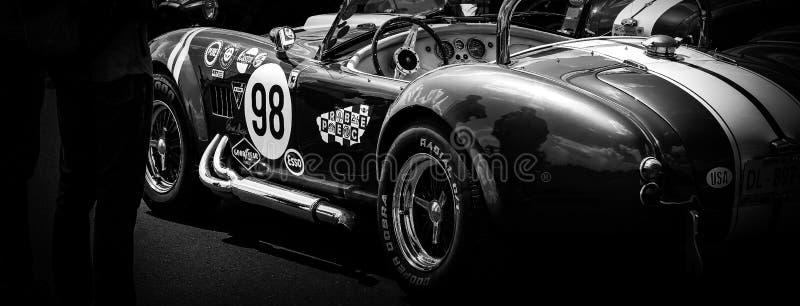 Le côté d'une voiture classique de muscle photographie stock libre de droits