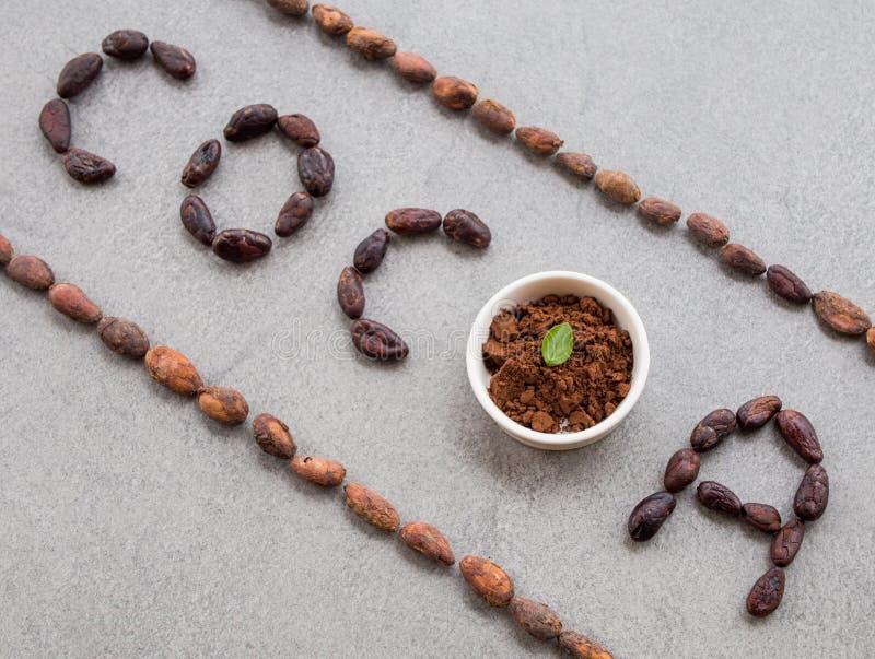 Le cacao de Word a fait avec des graines de cacao photo libre de droits