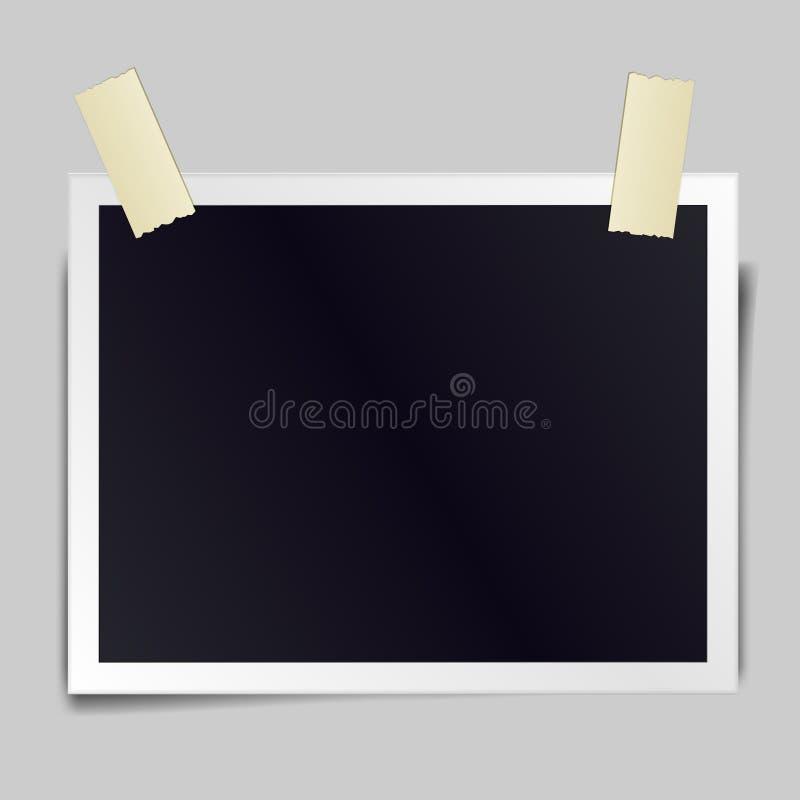 Le cadre réaliste de photo de vintage sticked avec le ruban adhésif illustration stock