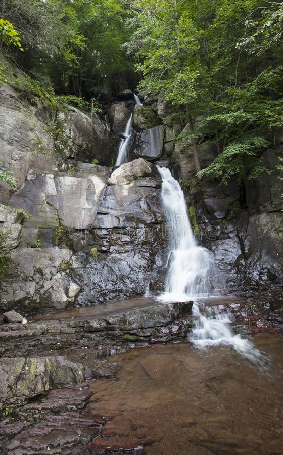 Le cadute del latticello in Lehigh si rimpinzano del parco di stato Pensilvania fotografia stock