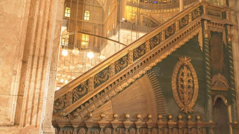 Le CAIRE, EGYPTE SEPTEMBRE, 26, intérieur 2016 de la mosquée d'albâtre au Caire images libres de droits