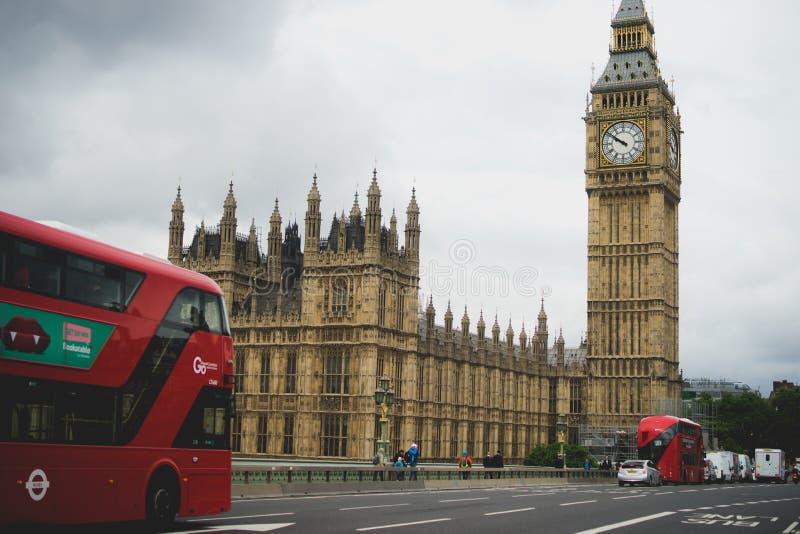 Le Camere di Westminster del Parlamento e di grande Ben Elizabeth si elevano, città di Londra, Inghilterra fotografia stock