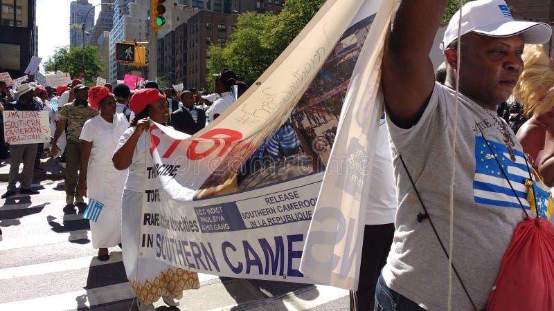 Le Cameroun, protestataires du sud de Cameroons/Ambazonia, NYC, NY, Etats-Unis photo libre de droits