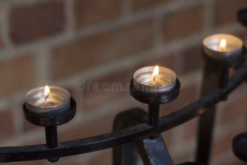 Le candele allineano in chiesa a Perth Australia piacevole immagini stock libere da diritti