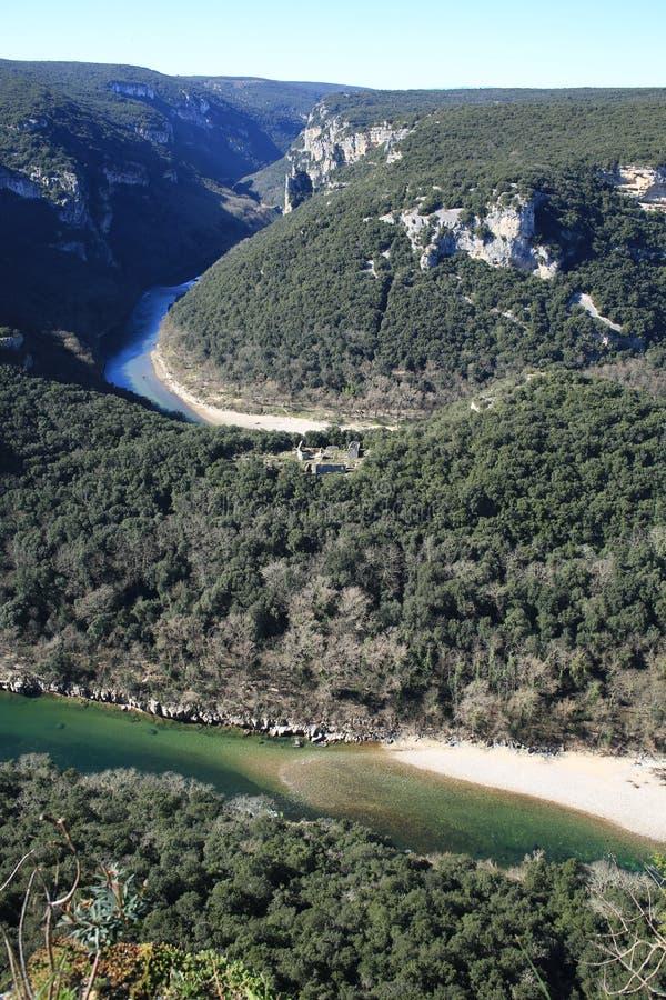 Le canyon d'Ardèche dans des Frances du sud images stock