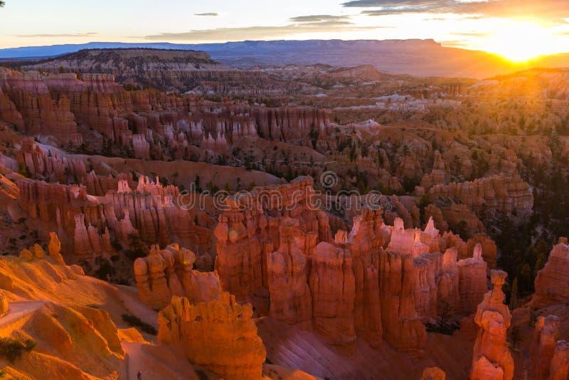 Le canyon de bryce au lever de soleil en Utah, Etats-Unis images libres de droits